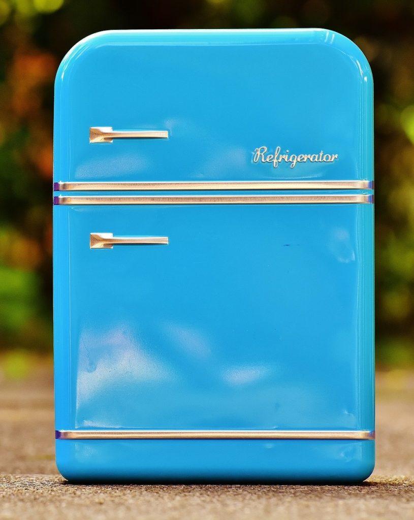 geöffnete milch im kühlschrank haltbar
